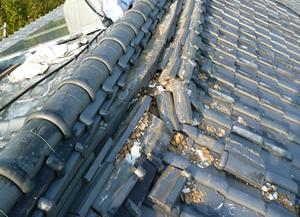地震により起こる屋根のトラブル