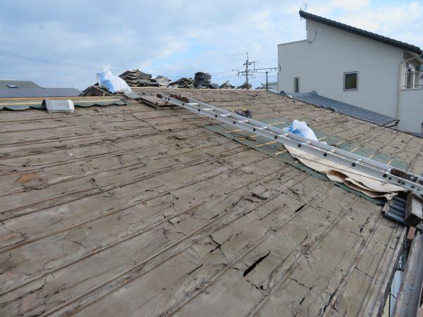 古い瓦でも施工次第で雨漏りは解消できます。