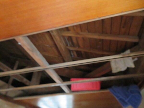 集中豪雨による雨漏りの写真です。  太洋瓦総工の画像