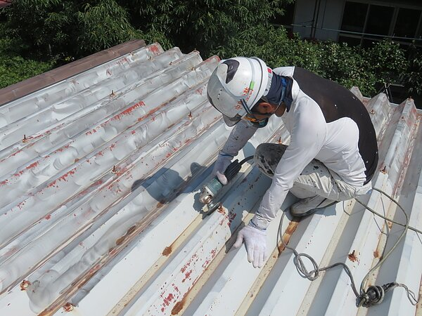 大牟田市本町:三池書房様。屋根の塗装。太洋瓦総工の画像