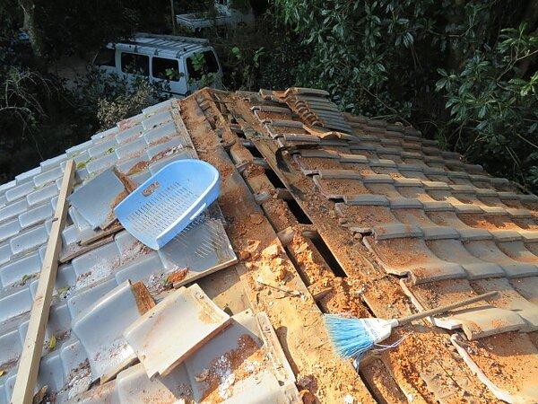 荒尾市下井手において、棟の作り替え  太洋瓦総工の画像
