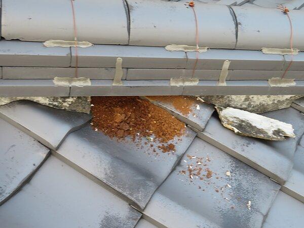 荒尾市大島にて、棟の積み直しと谷板の交換 太洋瓦総工の画像